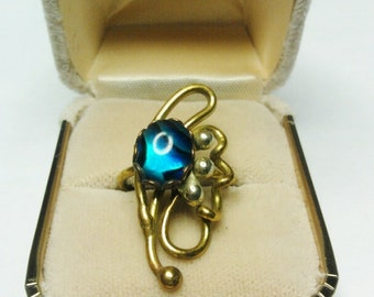 Vintage Gold Twisted Ring with Paua Shell- Size 5