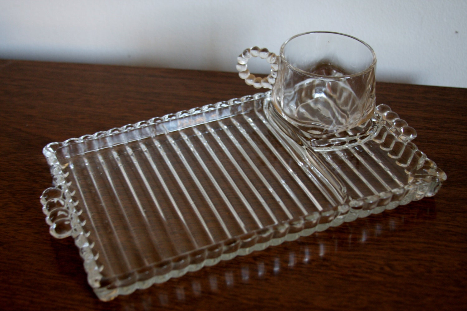 Vintage Glass Serving Trays And Cups Set Of 4 1960s Anchor