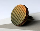 Ring with gold and green stripes - statement ring, magic mica, holographic illusion, ghost image
