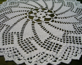 White crochet doily / lace / round /15 inches
