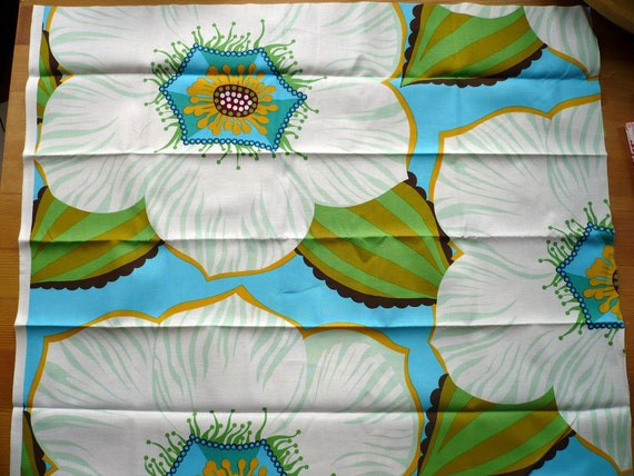 Anna Maria Horner - Garden Party Fat Quarter - Guest of Honor in Ice