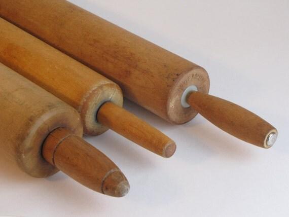 vintage wooden rolling pins set of three. Black Bedroom Furniture Sets. Home Design Ideas