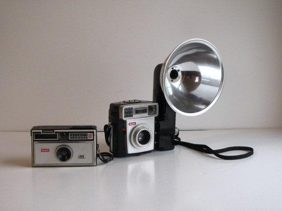 Vintage Camera Collection - Set of Three Pieces - Kodak Brownie Starmatic - Kodak Instamatic 100 - Kodalite Flashholder