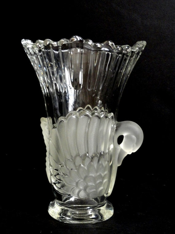 Mikasa Walther Swan Art Deco Crystal and Frosted Glass Vase