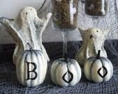 Halloween spooky dancing ghost