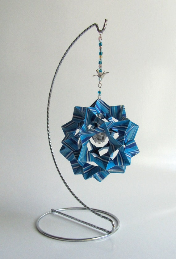 WEDDING CENTERPIECE DECORATION 3D Modular Origami Home Décor HANDMADe w/Metallic Stripes of Blue Shades on Silver Metal Ornament Stand OOaK