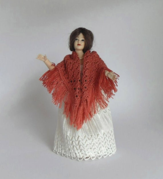 1:12 scale Dollhouse Miniature Square Shawl in Shantung Style Spun Silk Thread Hand Knit for Lady Doll - Deep Shell Pink.
