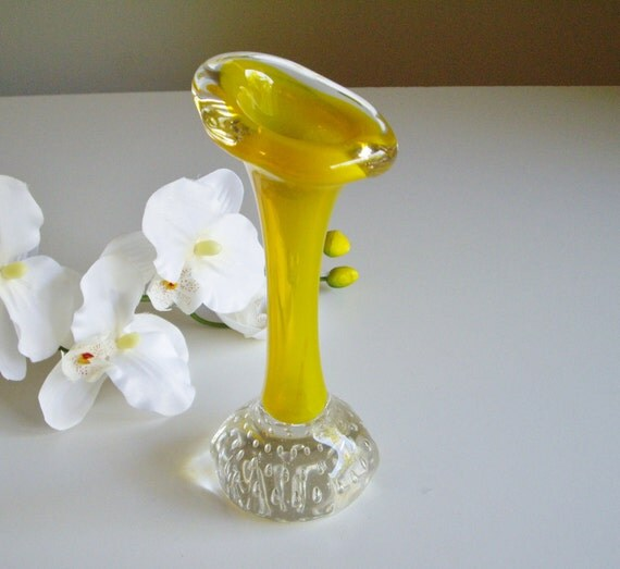Vintage Aseda Bone Vase by Bo Borgstrom - Opalescent Yellow - Scandinavian Art Glass Mid Century Modern Bud Vase