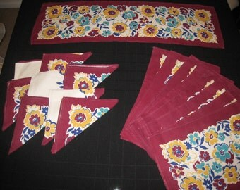 Vintage Set of  8 Maroon and Ivory Flowered  Place mats, Napkins and Table Runner, Vintage Linens, Vintage Dining