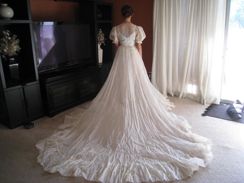 Cotton Wedding Gown: Vintage Cream Cotton Organdy Peasant Style Wedding Dress With