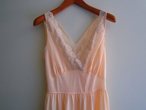 Sale 60s Peach Lace Maxi