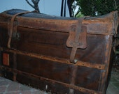 Antique Etats Unis French Trunk