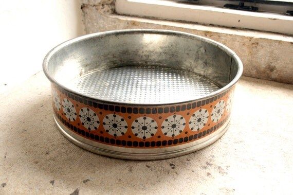 original 1970s orange retro baking cake tin