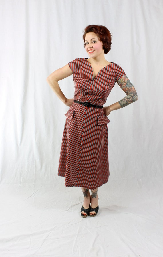1940s Vintage Dress...WALK WITH YOU Spring Fashion Cotton Sun Dress in Red Black and Grey Chevron Stripes Size Large
