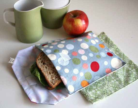 pair of reusable, lined sandwich bags in dot & medallion