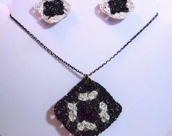 Black and White Mettalic Granny Square Necklace Set