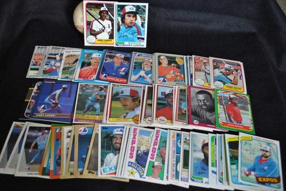 Montreal Expos - Lot of 100 Assorted Vintage Baseball Cards