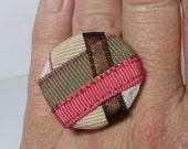 Round adjustable satin ribbons ring - Cruce de caminos pink/green -
