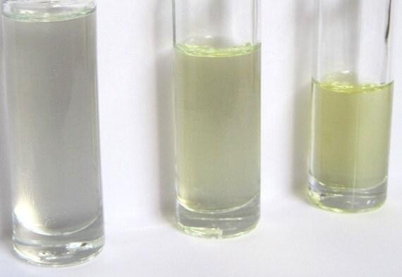 White Tea & Plum Perfume Oil