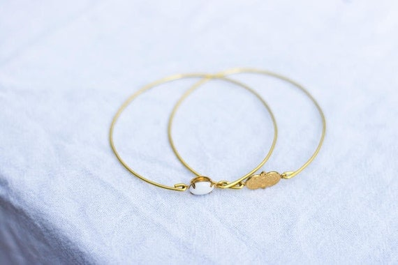 White Vintage Set Stone Bangle