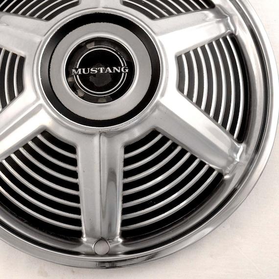 1964 Mustang Hubcaps