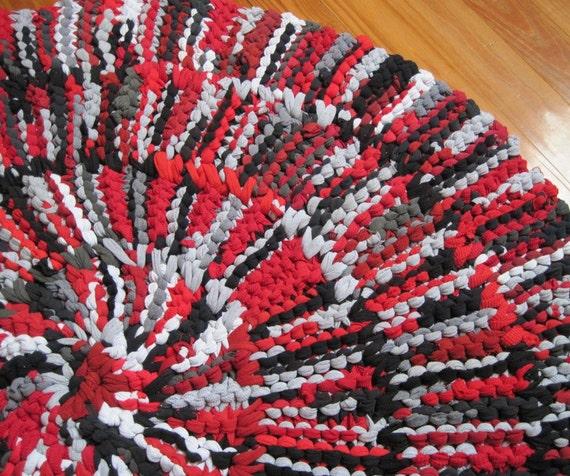 Brick Red Rag Rug: T Shirt Rug Circular Rag Rug Crimson Red Black Gray Cotton
