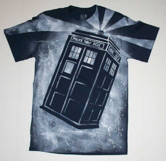 Men's Doctor Who Tardis Short Sleeved Navy Blue Shirt - Size Small