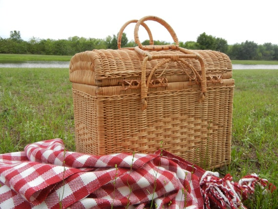 Vintage Extra Large Wicker Picnic Basket By