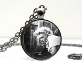Marilyn Monroe Necklace - Overlook - Glass Picture Pendant Photo Pendant (1466)