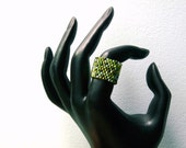 Peyote Ring in Green Clover Mix Beads