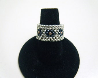 Silver beaded ring- Flowers