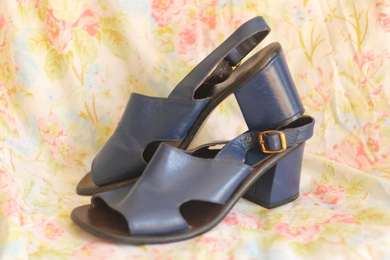 SALE 1990's rich blue chunky heels (9M)