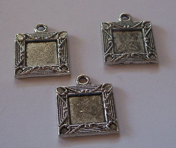 Pack of 6 Square Frames for Pendant or Charm. Add  your own Cabochon or a Picture using Diamond Glaze or Resin.