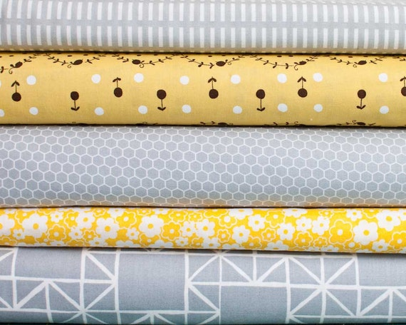 Grey and Yellow Bundle - 5 fat quarter pieces (B144)