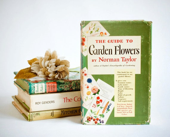 The Guide To Garden Flowers, Norman Taylor