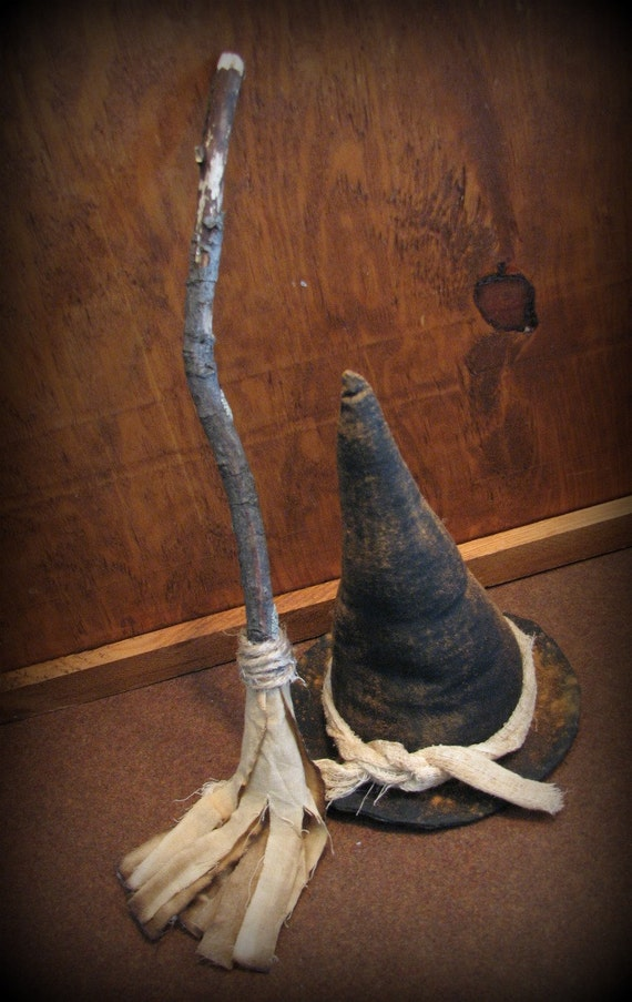 Primitive Witch and Broom Halloween Decor