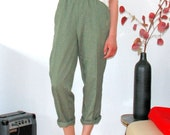 SALE - Cute 80s Pants with tapered legs and little checks in pastel green/grass green