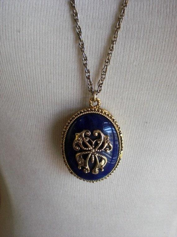 vintage max factor solid perfume pendant necklace