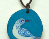 Bird blue wood pendant. Colgante de madera ave azul.