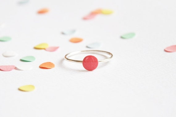 Confetti ring raspberry 'you only need one confetti to remember the party...' sterling silver