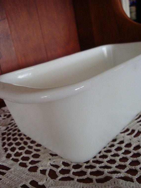 Pyrex white bread pan
