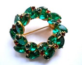 Vintage Pin Christmas Holly Wreath Juliana