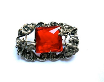 Art Nouveau Brooch Red Stone 1900s