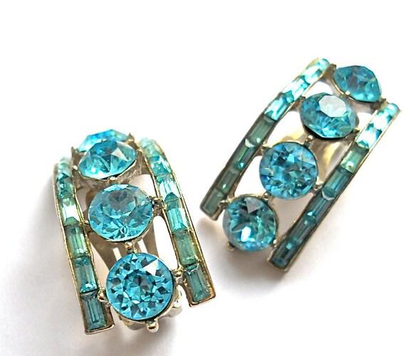 Vintage Aqua Blue Rhinestone1950s Earrings