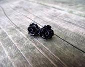 THE ROSETTE EARRINGS - Midnight Black