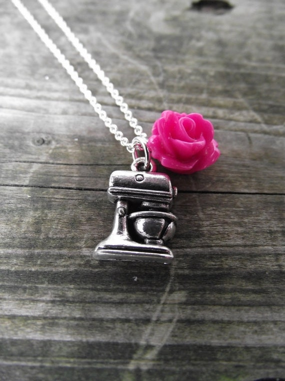 THE CHARMED NECKLACE - Baker (you choose add-on rosette color)