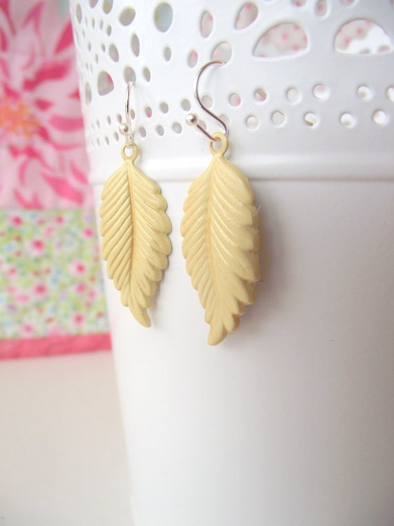 THE BEACH COLLECTION - Soft Yellow Leaves (clearance)
