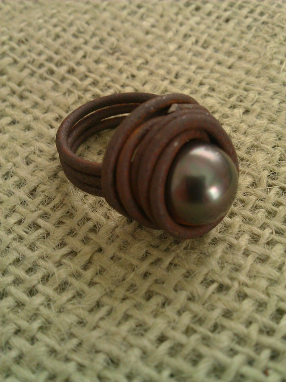 Black Pearl Ring with Vintage Ranch Wire Ring, Bird's Nest, Simple and Elegant