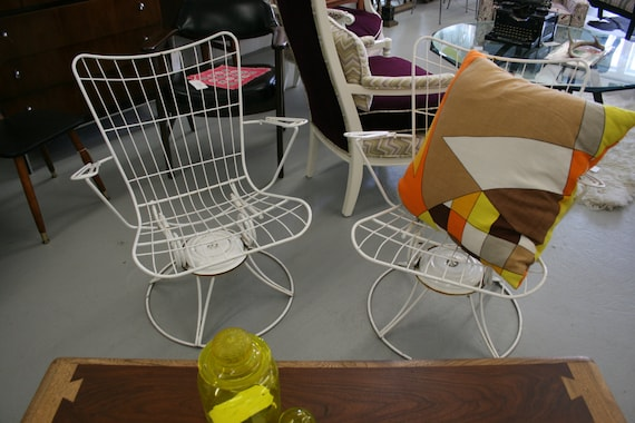 Vintage Pair of Homecrest White Wire Indoor/Outdoor Chairs