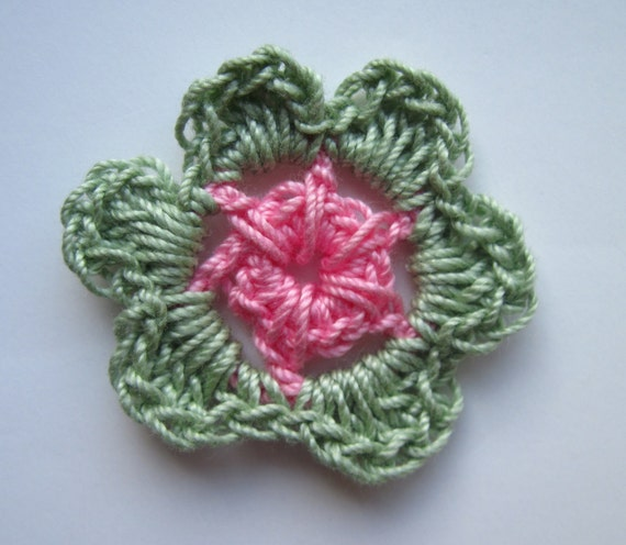 12 Crochet Flowers Mini - Light Green and Medium Pink - Set of 12